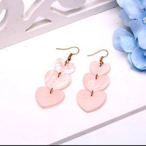 🎀 Pink Shape Drop Earings